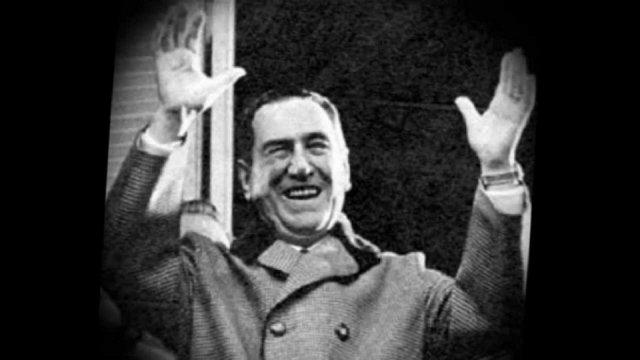 15 de Abril de 1953 La CGT organiza un acto de apoyo al general Perón en Plaza de Mayo.