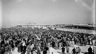 26 DE OCTUBRE DE 1949: PERON INAUGURA EL AEROPUERTO PISTARINI